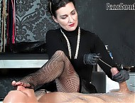 Mummification Sounds with Lady Victoria Valente